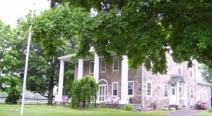 Take A Drive Down Great Road Historic District In Rhode Island For A Picture Perfect Day