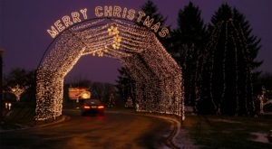 7 Drive-Thru Christmas Lights Displays In Illinois The Whole Family Can Enjoy