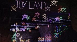 Go Underground In A Mega Christmas Cave For Breakfast With Santa At Lights Under Louisville In Kentucky