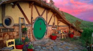 There's A Hobbit-Themed Airbnb In Washington And It's The Perfect Little Hideout