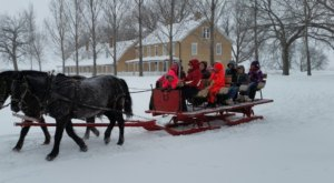 Enjoy An Old-Fashioned 1860s Holiday Celebration At The Frontier Christmas In South Dakota