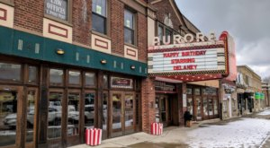 Watch All Of Your Favorite Holiday Movies For Free At This Small-Town Theater Near Buffalo