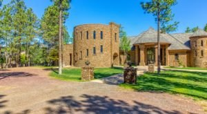 You Can Rent An Entire Castle, Lakefront Estate, In Arizona For Less Than $195 A Night