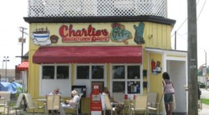 Charlie's Is A Wonderfully Whimsical Cafe In Virginia With Some Of The Best Breakfast In Town