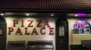 Davenport's Pizza Palace In Alabama Has Been Called The Best Pizza In Mountain Brook