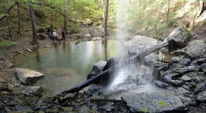 Falling Rock Falls Hike Is A Short And Easy Trail That's Nestled In Alabama's Cahaba River National Wildlife Refuge