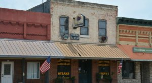 Giddings Downtown Restaurant Is An All-You-Can-Eat Buffet In Texas That's Full Of Southern Flavor