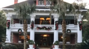 The Herlong Mansion Bed & Breakfast Just Might Be The Most Beautiful Christmas Hotel In Florida