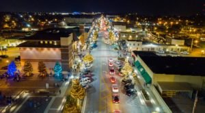 Enjoy A Full Calendar Of Holiday Events At The Rose District In Oklahoma