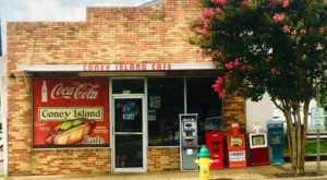 Open Since 1923, Coney Island Café Has Been Serving Hot Dogs In Mississippi Longer Than Any Other Restaurant