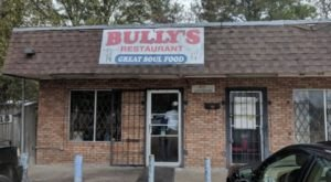 Don't Pass By Bully's In Mississippi, An Ordinary Looking Restaurant With Extraordinary Soul Food