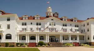 The Stanley Hotel In Colorado Was Just Added To A US Travel Bucket List… And We Couldn't Agree More