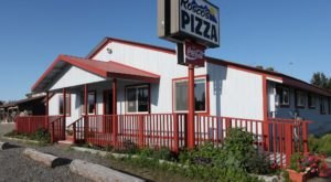 Rosco's Pizza Is The Hidden Gem In Alaska That Serves Mouthwatering Italian Comfort Food