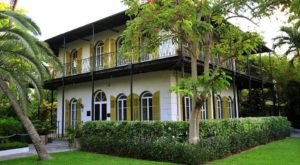 America's Unofficial Polydactyl Cat Museum, The Hemingway Home, Is Right Here In Florida