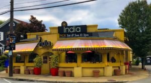 India Restaurant Is An All-You-Can-Eat Buffet In Rhode Island That's Full Of Flavor