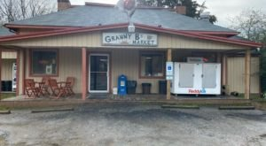 Granny B's Is A Hole-In-The-Wall Market In Virginia With Some Of The Best Fried Chicken In Town