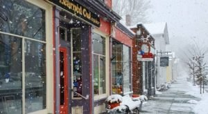 11 Comfy And Cozy Ohio Book Shops To Get Lost In On A Snowy Day