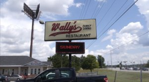 Wally's Restaurant Is An All-You-Can-Eat Buffet In Tennessee That's Full Of Southern Flavor