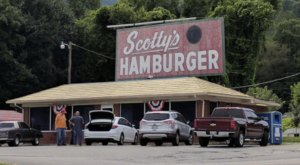 The Best Cheeseburger In Tennessee Just Might Be At A Roadside Diner Called Scotty's Hamburger