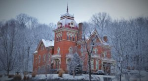 This 146-Year-Old Bed And Breakfast Is One Of The Most Haunted Places Near Cincinnati… And You Can Spend The Night