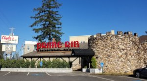 The Massive Prime Rib At Clyde's Prime Rib In Oregon Belongs On Your Dining Bucket List