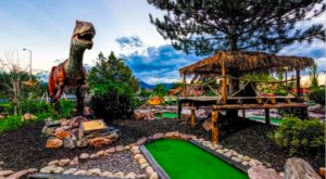 Lost Island Is A Dinosaur-Themed Mini Golf Course In Colorado That's Tons Of Fun