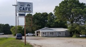 Grandma's House Cafe Is An All-You-Can-Eat Buffet In Arkansas That's Full Of Southern Flavor