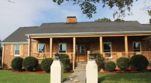 Book An Overnight Stay At Alabama's Farmhouse Sanctuary Bed & Breakfast For A Unique Rural Experience