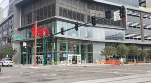 There's A Two-Story Fry's In Arizona That'll Take Your Grocery Shopping To The Next Level
