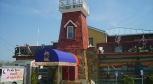 Eat Scrumptious Seafood Next To Dinosaurs And Mermaids At Pickle Bill's, A Quirky Eatery In Ohio