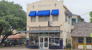 Sink Your Teeth Into Authentic German Apple Strudel At Naegelin's, The Oldest Bakery In Texas