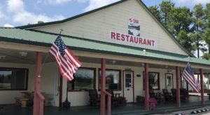 Don't Be Fooled By Its Name, The Dam Restaurant In Kentucky Is Downright Delicious
