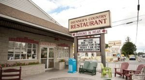 The All-You-Can-Eat Buffet At Dienner's Country Restaurant In Pennsylvania Features Downright Delicious Country Cookin'
