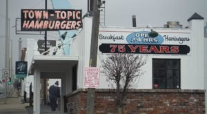 Town Topic Hamburgers In Missouri Is Overflowing With Deliciousness And Old-School Charm