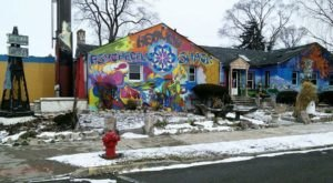 The Psychedelic Healing Shack And Vegetarian Cafe Is Michigan's Grooviest Place To Unwind