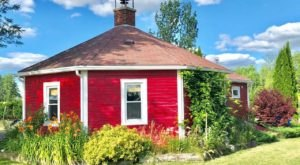 Spend The Night In A Little Round Schoolhouse That's Only A Mile Away From New York's Seneca Lake