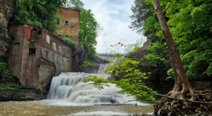 There's An Abandoned Mill At The Base Of Wells Falls In New York For You To Discover