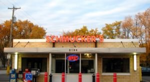 Family-Owned Since The 1940s, Schmucker's Is A Nostalgic Restaurant In Ohio