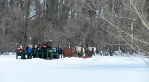 Enjoy Horse-Drawn Carriage Rides, S'mores, And Fun In The Snow At This North Dakota Winterfest
