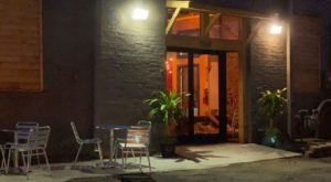 Get An Authentic Southern Meal At Chef Tam's Underground Cafe In Tennessee