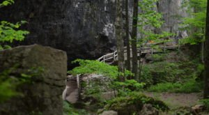 Trek Into The Heart Of Iowa's Maquoketa Caves State Park To Find An Otherworldy Trail