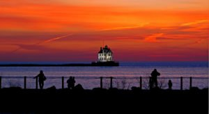 The Lighthouse Walk at Lakeview Park Near Cleveland Offers Unforgettable Views