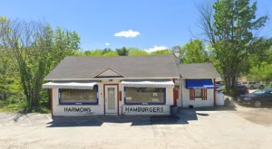 Harmon's Lunch In Maine Is Overflowing With Deliciousness And Old-School Charm