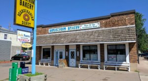 Everyone Should Try The Scandinavian Donuts At Lindstrom Bakery In Minnesota At Least Once