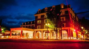 One Of The Oldest Hotels In New Hampshire Is Also One Of The Most Haunted Places You'll Ever Sleep