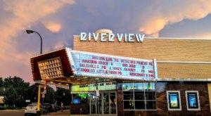 Time Travel Back To the 1950s With A Visit To Riverview Theater, A Retro Cinema In Minnesota