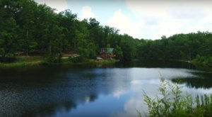 Stay In The Heart Of Kentucky's Natural Beauty At Bear Track Lake Adventures