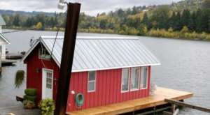 This Summer, Take An Oregon Vacation On A Floating Villa On The Willamette River