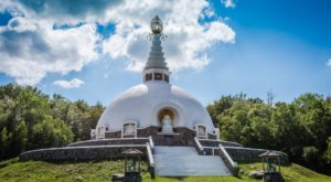 There's A Peace Pagoda Nestled Away In Upstate New York And It'll Leave You Feeling Completely Zenen