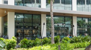 There's A Two-Story Dean & DeLuca In Hawaii That'll Take Your Shopping And Dining To The Next Level